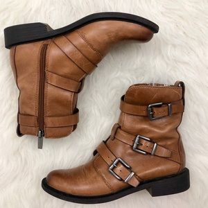 NEW Vince Camuto Buckle Moto Ankle Booties Size 6